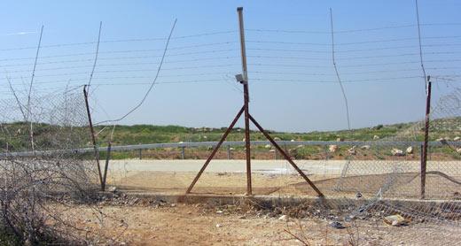 הפרצה בגדר שבה עבר יוסף א-שוואמרה. צילום: איתמר ברק, בצלם