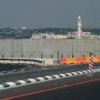 <p>[1063] 1.10.0 الجدار المحاذي لمدينة طولكرم الذي يمتد بين مناطق الضفة الغربية واسرائيل على طول طريق رقم 6 ( عابر اسرائيل )</p><p>تصوير: يحزكيل لاين, بتسيلم</p>