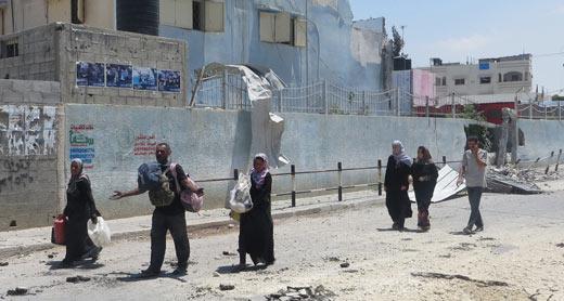 Brief humanitarian ceasefire in Beit Hanoun, 26 July 2014. Photo: Muhamad Sabah, B'Tselem.