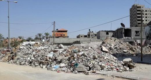 Photo of the ruins by Muhamad Sinwar, B'Tselem, 30 July 2014