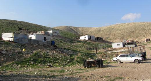Homes in the al-Ka'abneh community. Photo: 'Amer al-Aruri, B'Tselem, 18 Jan. 2015. Click on photo to enlarge
