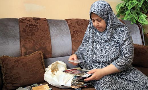 Najah al-Qatnani in her home in Gaza City. Photo: Olfat al-Kurd, B'Tselem, 2 Aug. 2017